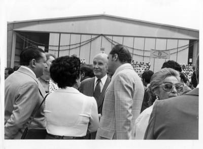 Alfonso García Robles en el aeropuerto de México, en espera de la llegada del presidente de Guatemala