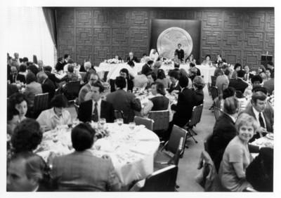 Diplomáticos en banquete ofrecido en la SRE
