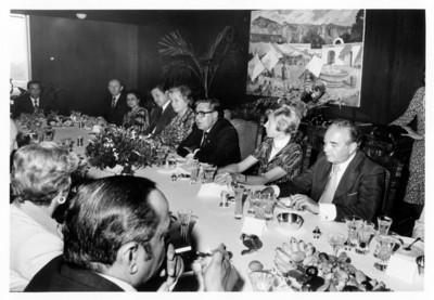 Santiago Roel preside comida de despedida al embajador John Edgar Galsworthy