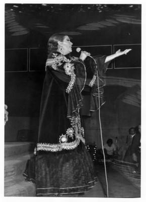 Lola Beltrán en concierto