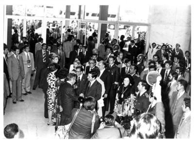 Recibimiento de Adolfo Suárez González en el aeropuerto