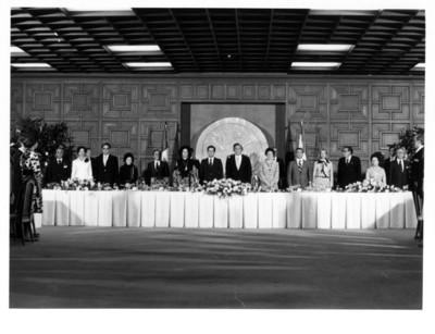 José López Portillo con Adolfo Suárez presidente de España en banquete oficial