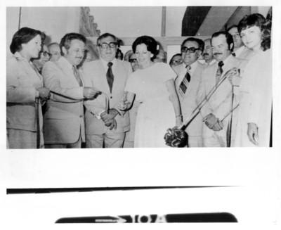 Santiago Roel y su esposa junto a Pedro G. Zorrilla y Raúl Galván Flores durante inauguración
