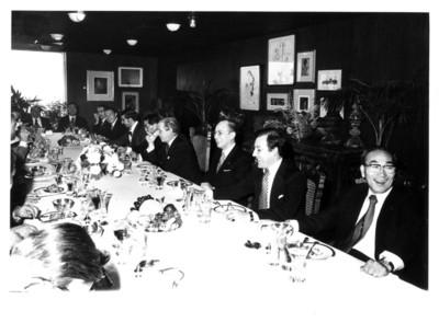 Reunión de funcionarios consulares con los miembros de la Misión de Amistad de Nagoya