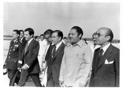 Adolfo Suárez acompañado por Santiago Roel, Marcelino Oreja y Jesús Martínez Ross