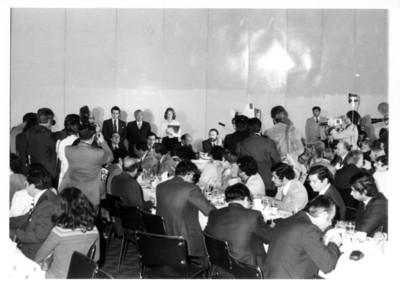 Adolfo Suárez González presente junto a Marcelino Oreja durante comida y rueda de prensa