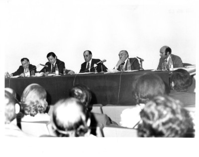 El embajador Sergio González Gálvez ofrece una conferencia en el Instituto Matías Romero