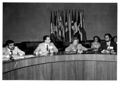 Guillermina Sánchez preside junto a autoridades de la Secretaría de Relaciones Exteriores, la III Reunión del Comité Nacional de Artesanías
