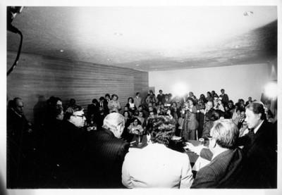 Reporteros y periodistas durante la conferencia de prensa de Kurt Waldheim