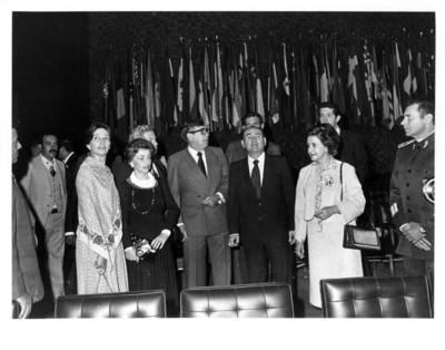 Santiago Roel junto a Carlos Humberto Romero en sala interior de la Secretaría de Relaciones Exteriores