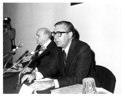 Santiago Roel y Rafael de la Colina en inauguración de auditorio en Instituto Matías Romero