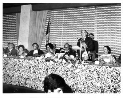 José López Portillo pronuncia palabras ofrecidas al presidente de Francia durante cena