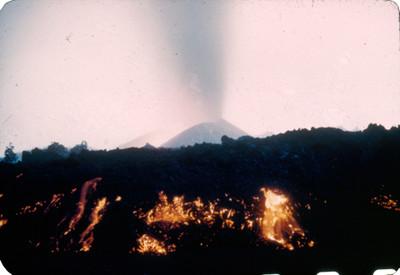 Volcan Paricutin en erupcion