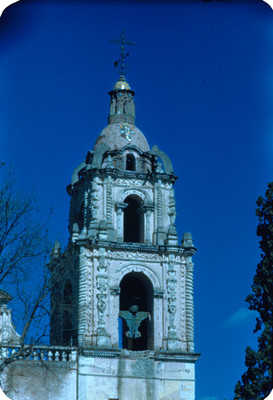 Torre de la iglesia, lado oeste