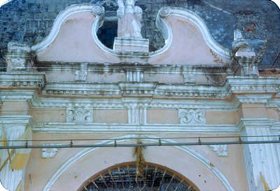 Iglesia, detalle de la entrada