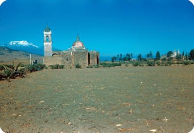 Iglesia, lado este, panorámica