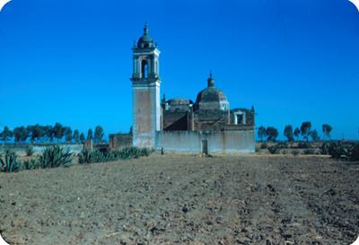 Iglesia, lado oeste, panorámica