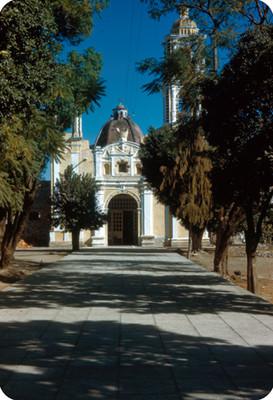 Iglesia, vista frontal
