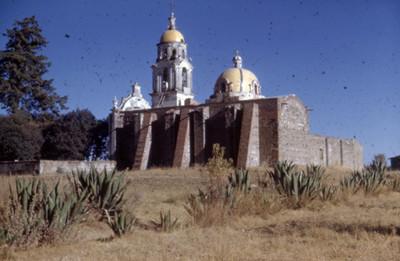 Arquitectura religiosa, vista posterior