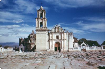 Convento, vista frontal