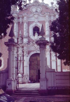 Parroquia, entrada