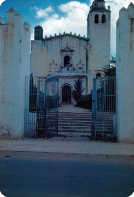Convento de San Miguel Arcangel, entrada, lado oeste
