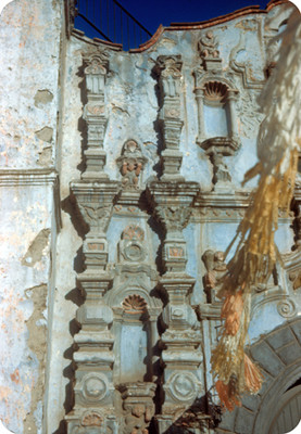 Fachada de la iglesia de Iztacalco, vista parcial