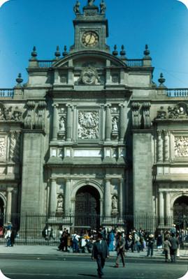 Catedral, fachada, vista parcial