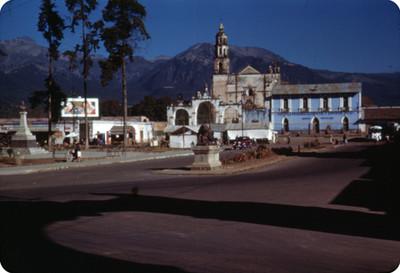 Convento de la Asuncion, visto desde la plaza