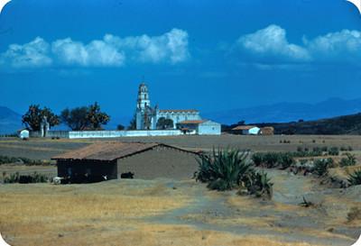 Arquitectura religiosa y casas rusticas