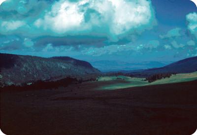 Campo y cerros, vista desde el volcan