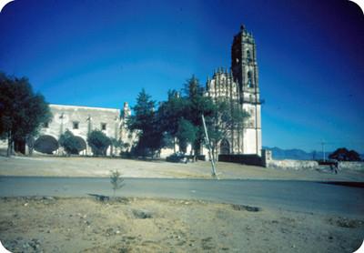 Templo de San Francisco Javier y convento, vista general