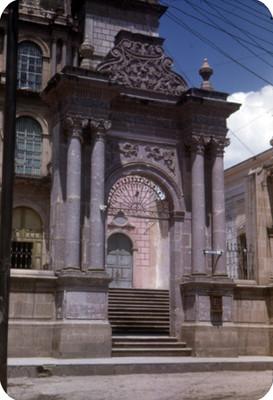 Catedral, entrada, lado oeste