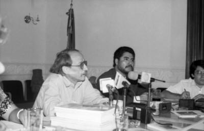Jaime Bali y Arturo Soberón durante una conferencia de prensa