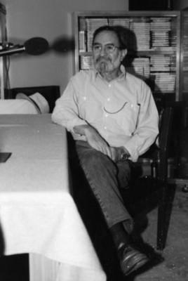 Iker Larrauri Prado durante una entrevista radiofónica