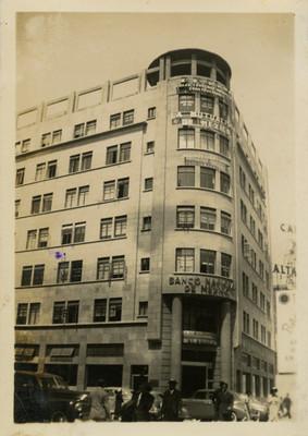 Edificio del Banco Nacional de México, fachada