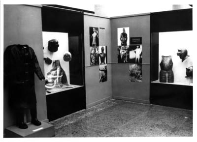 Armaduras, objetos e imágenes de vestuario de protección