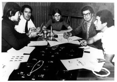 Alfonso Soto Soria con el primer equipo de diseño de Tane