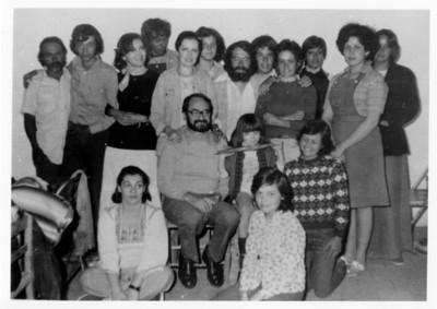 Iker Larrauri con un grupo de personas