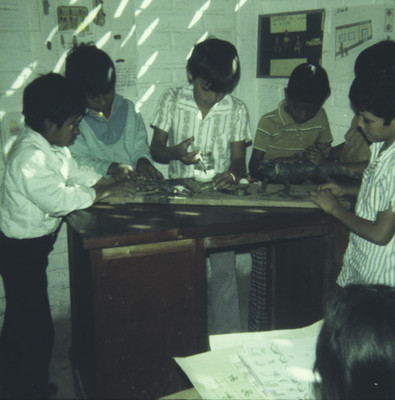 Aspecto del montaje de un museo escolar