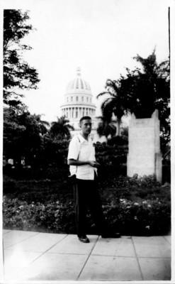 Felipe Lacouture de viaje en la Habana, Cuba