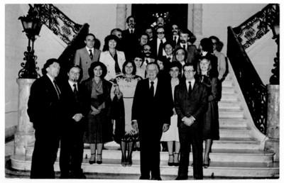 Felipe Lacouture con funcionarios públicos