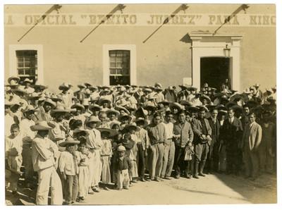 Úrsulo Galván, Pandurang Khankhoje y demás personal de la Escuela Libre de Agricultura Emiliano Zapata, inauguración de nuevos cursos
