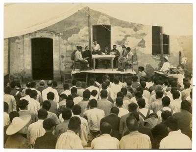 Conferencia de agricultura en Chipiltepec