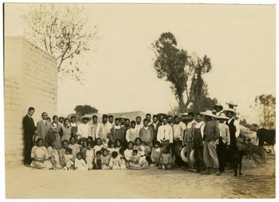 Inauguración de las clases en la Escuela Libre de Agricultura de Tocuila