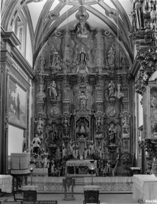 """""""Templo de la Aránzazu"""", retrato del altar mayor"""