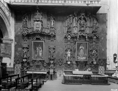 """Altares de la """"Iglesia de la Enseñanza"""""""