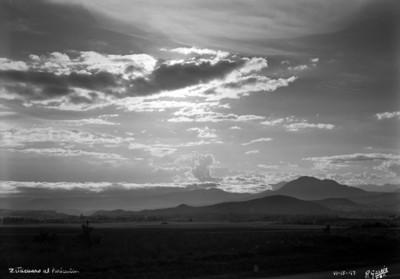 """""""Zitácuaro al Paricutín"""", aspecto del paisaje por las cenizas del volcán"""