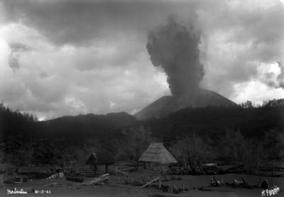 """Poblado devastado por la erupción de """"El Paricutín"""""""