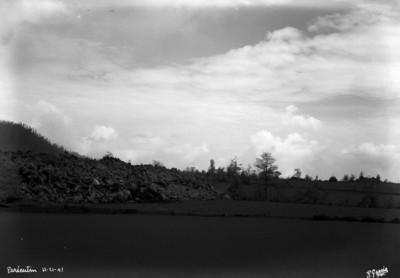 """Rocas volcánicas en las laderas """"El Paricutín"""""""